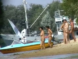 Mature beach nudist women not afraid to show everything they got
