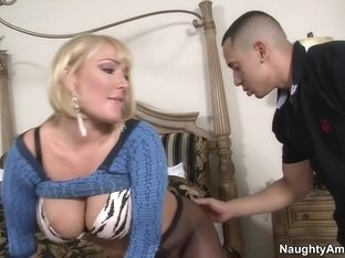 Mellanie Monroe & Bruno Dickemz in Seduced by a Cougar