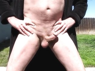 A daddy showing off his naked body and playing with his cock