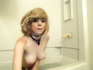 single girl looking for a nice selffuck in her bathroom