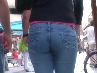Hot ass in tight jeans gets all of the voyeur's attention