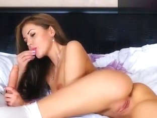 Xxkiraxx: hot babe sucking on a rubber penis