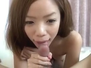Cute japanese girlfriend blowjob