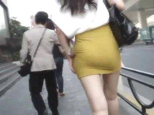 walk behind short skirt girl :3 (China)