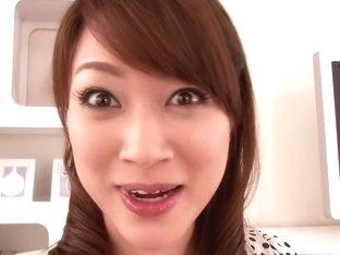 New Comer Akari Hoshino Tells Us What She Likes