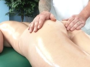 Dirty Masseur: Internal Deep Tissue Massage. Holly Michaels, Clover