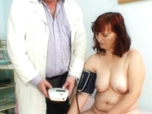 Old Zita mature pussy speculum examination at gyno clinic