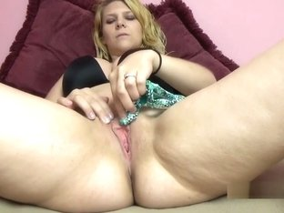 Brianna Stars Is Finger Banging Her Young Twat