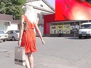 Hawt blond in real street upskirt vid