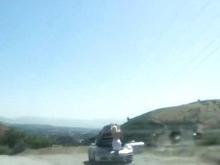 Anikka Albrite Has Car Trouble