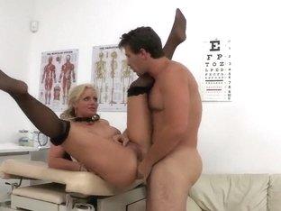 Manuel Ferrara fucks hard busty Phoenix Marie