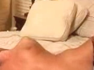 Webcam babe masturbating her sweet pussy on camera