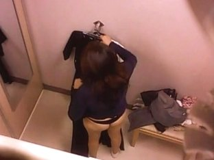 Changing room offer lots of fantastic material for voyeurs