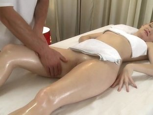 Love Creampie Redhead stretched wide and fucked
