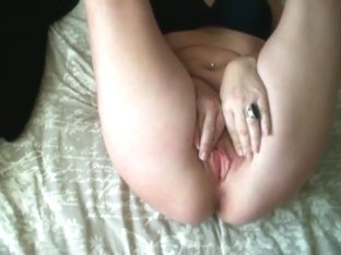 BLONDE MATURE WHORE SUCKS COCK