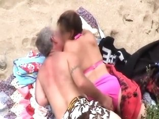 Older guy fingering his sexy lady