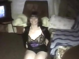 Amateur wannabe stripper MILF