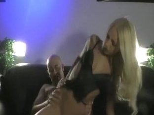 Great atmosphere to fuck my blond doll