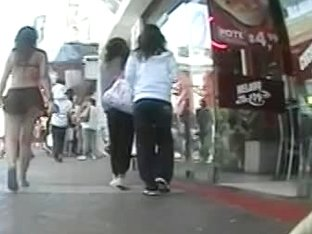 Candid video with three sexy asses caught in the street