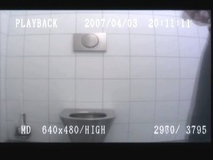 Amateur hot blonde pissing on hidden cam