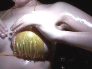 Hot oriental Hawt Oiled Body