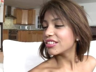 Petite girl with a good ass gets fucked