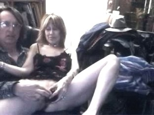 Hubby dildos wife's slit