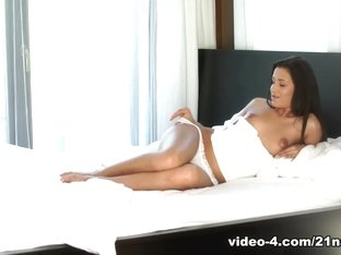 Horny pornstar Cindy Carson in Amazing Lingerie, Dildos/Toys adult video