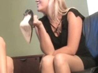 Very precious smelly Feet mmmhhhh