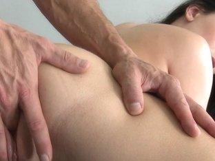 MikesApartment - Hot ass
