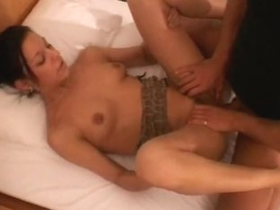 Amateur girlfriend sucks and fucks in a hotel room