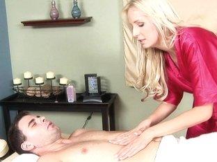 Massage-Parlor: Sweet Symphony