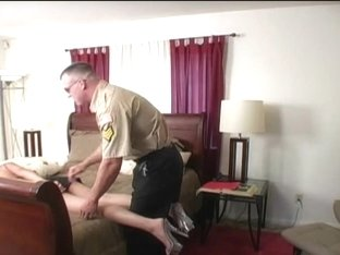 South American wench makes a deal with police