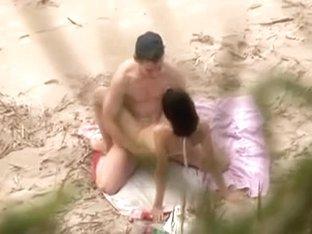 Voyeur on public beach. Great sex with hawt hotty