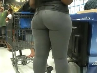 Big ass ebony in dark gray leggings