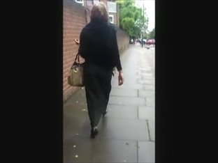 Hijabi ass in burqa and high heels