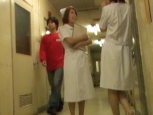 Slender nurse got panty and belly seen on sharking video
