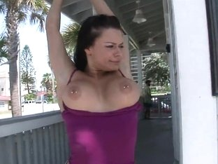 SpringBreakLife Video: 2 Hot Girls Flashing Outdoors