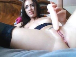 Exquisite beauty CasiopeiaStar fucks herself