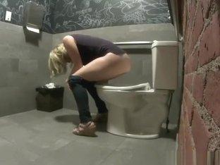 Wine Bar Peeing