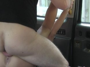 Huge tits tourist fucks in London cab in public