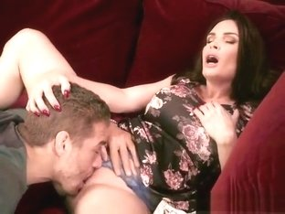 Chesty Cougar Diamond Foxxx Has Foreplay With Driver