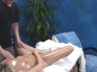 Hawt Blond Enticed by Massage Therapist