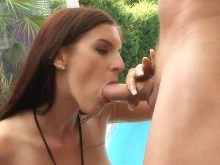 Sexy ass brunette Mira Sunset gets outdoor sex
