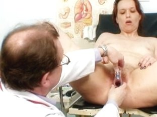 Unpretty mature wife at pervy gyno doctor