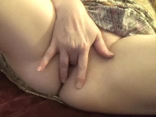 Masturbating very rough for Samuel