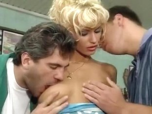 Anita Blond Clip Sex in shop (Frech Frivol Geil)