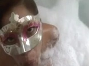 Penelope - orall-service-sex in the jacuzzi