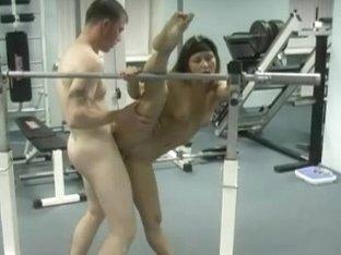 Wild kamasutra sex at gym