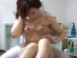 Japanese lady with unshaved sissy fingered by her masseur